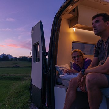 Discover the Yucon Camper Van by FRANKIA – Good Evening, Magic
