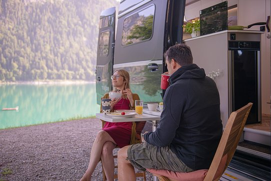 Breakfast with a View – Camper Van by FRANKIA