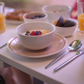 Breakfast with a View – Yucon 6.0 Camper Van by FRANKIA